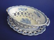 Lovely Spode 'Group' Pattern Oval Pierced Basket and Stand c1815